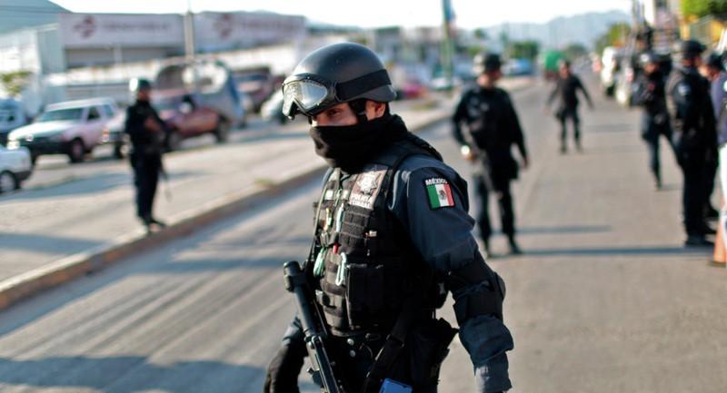 Cảnh sát liên bang ở Acapulco, Mexico