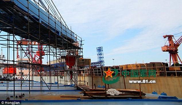Lộ diện chiến hạm tàng hình lớn nhất Trung Quốc  - ảnh 2