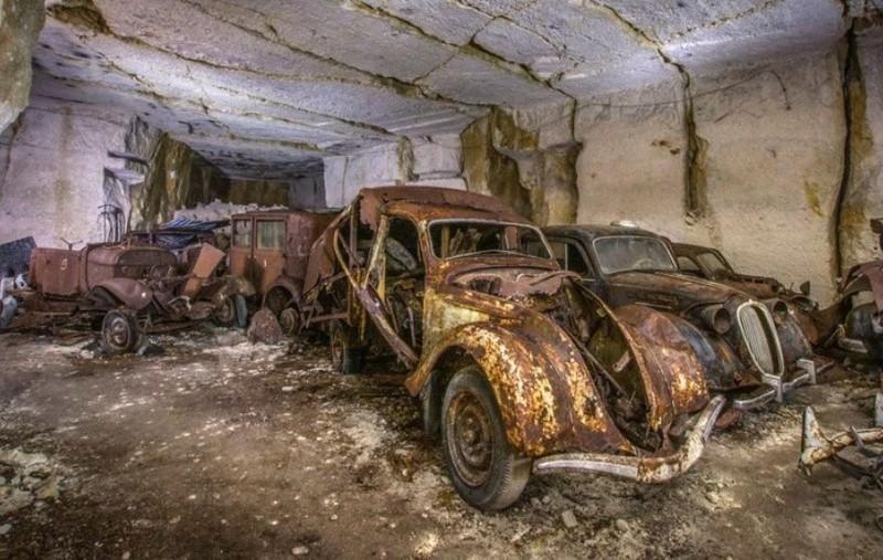 kho tàng xe cổ Pháp