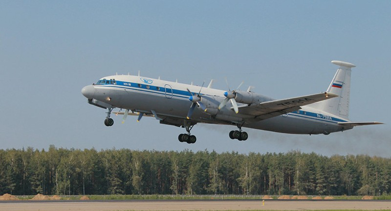 Máy bay Il-18 của Nga