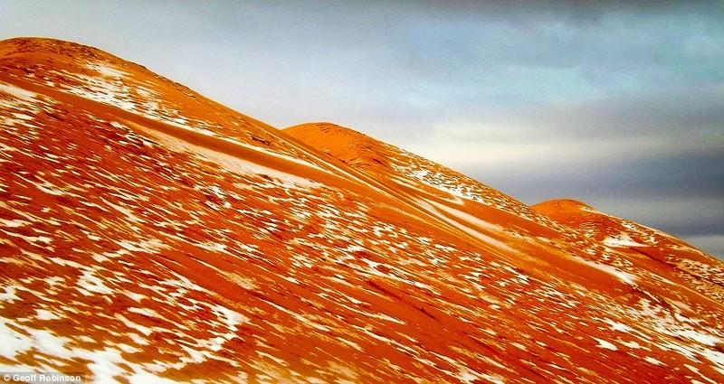 tuyết rơi ở Sahara