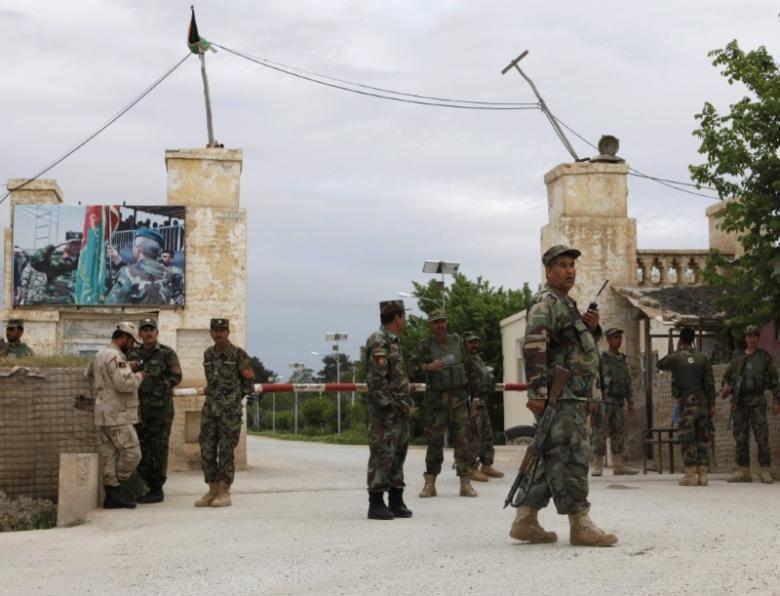 140 lính chết, Bộ trưởng quốc phòng Afghanistan từ chức - ảnh 1