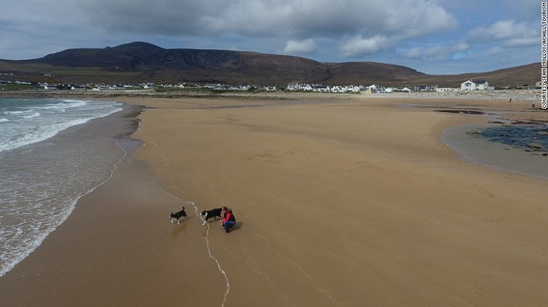 Bãi biển 300 m biến mất 33 năm bất ngờ xuất hiện - ảnh 1