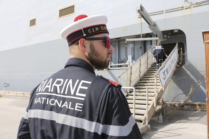 Tàu đổ bộ Pháp mắc cạn, tập trận 4 nước trì hoãn  - ảnh 1