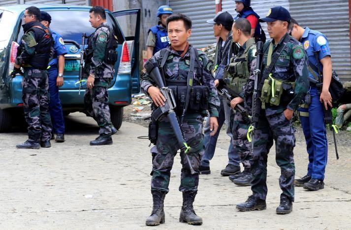 Khủng bố Marawi cướp kho vũ khí, tuyển mộ tù nhân - ảnh 1