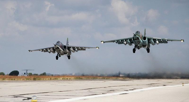 Máy bay Nga tiêu diệt 7 chỉ huy IS ở Syria - ảnh 1