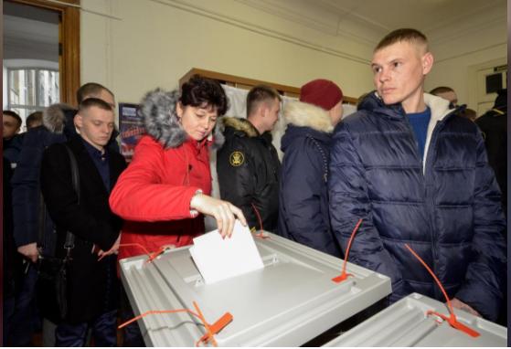 Hôm nay người Nga đi bầu tổng thống - ảnh 1
