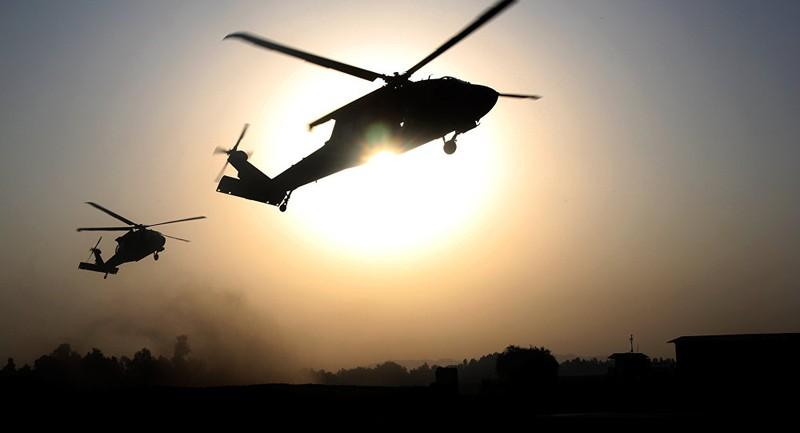 Nghi 3 trực thăng Mỹ di tản thủ lĩnh IS ở Syria - ảnh 1