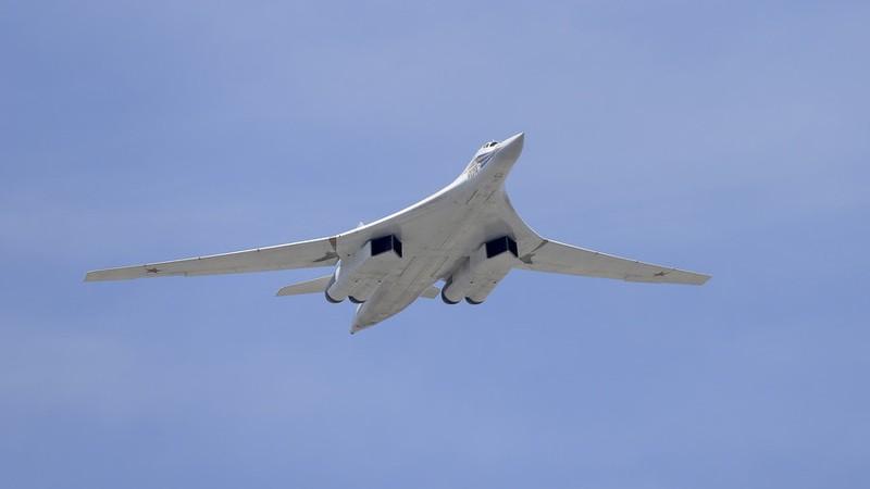 Nga nâng cấp 'Thiên nga trắng' Tu-160 bay thêm 1.000 km - ảnh 1