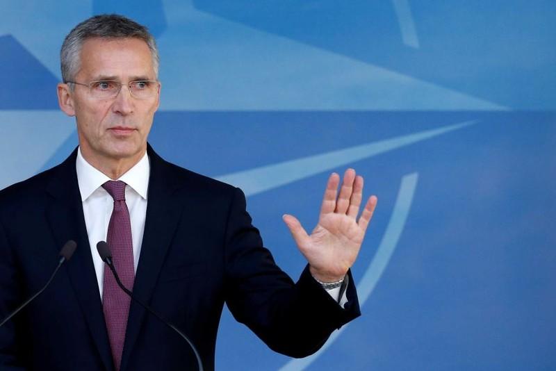 NATO trục xuất 7 nhà ngoại giao Nga - ảnh 1