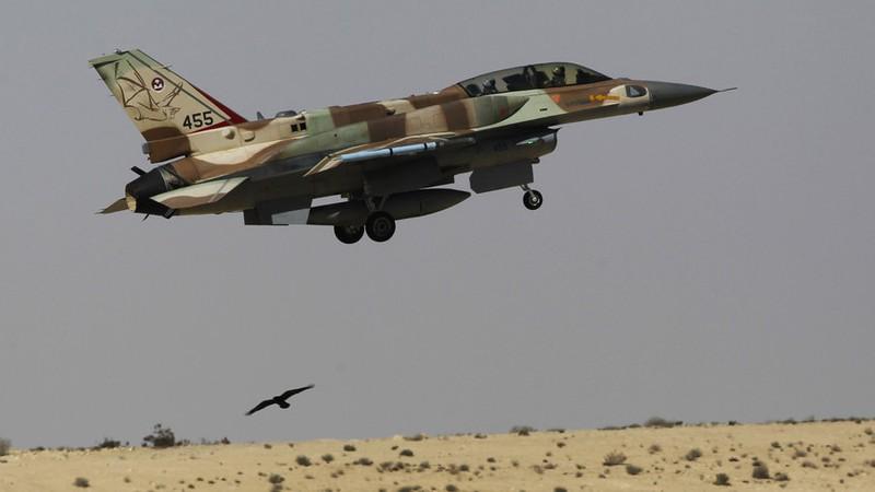Israel báo động cao, nghi dội tên lửa căn cứ Iran ở Syria - ảnh 2