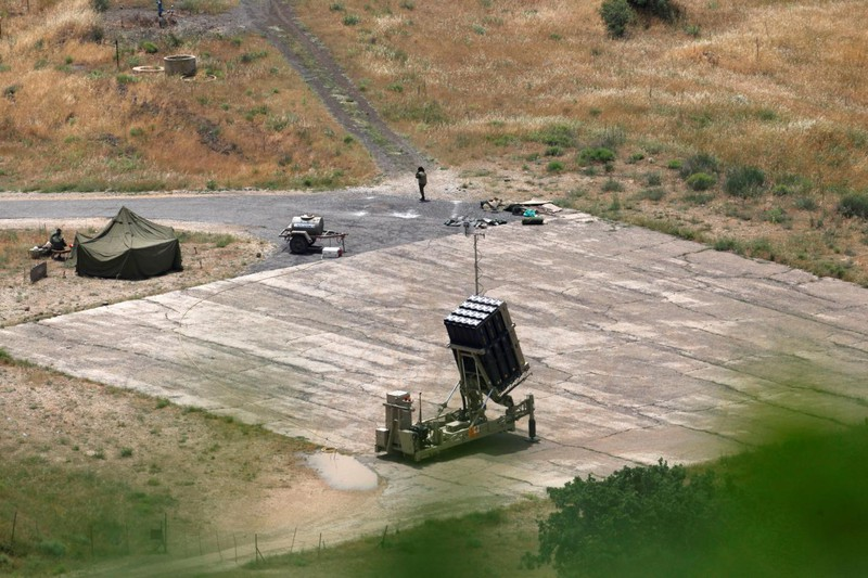 Israel báo động cao, nghi dội tên lửa căn cứ Iran ở Syria - ảnh 3