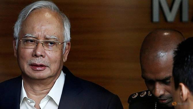 Cựu thủ tướng Malaysia bị bắt tại nhà riêng - ảnh 1