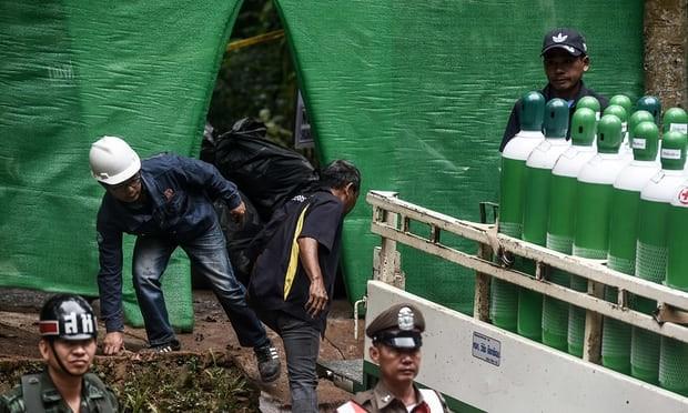 Thái Lan bắt đầu đưa đội bóng mắc kẹt rời hang - ảnh 8