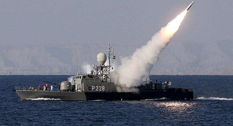 Iran điều 100 pháo hạm tới vùng Vịnh tập trận, Mỹ theo dõi sát - ảnh 2