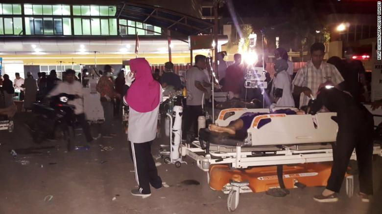 Indonesia: Động đất mạnh 6,9 độ Richter gây cảnh báo sóng thần - ảnh 1