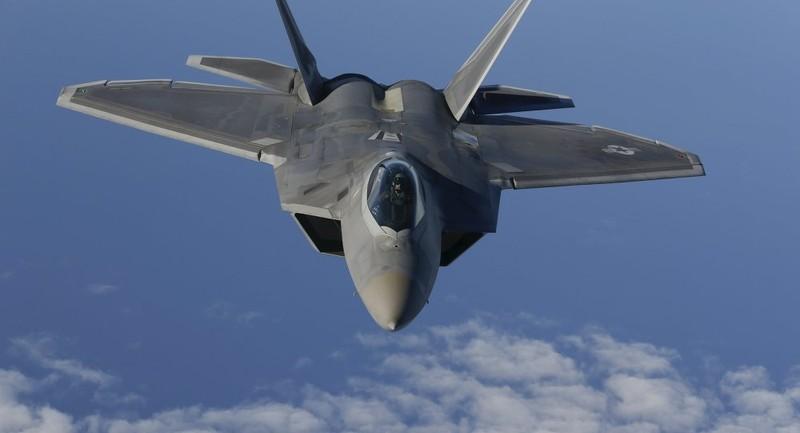 'Rồng dũng mãnh' J-20 TQ bất bại trước 'chim ăn thịt' F-22 Mỹ? - ảnh 1