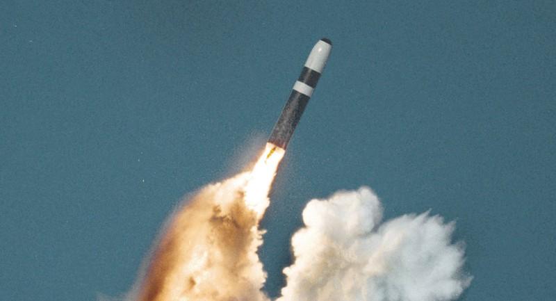 Ông Medvedev: Bộ ba hạt nhân NATO đang nhắm vào Nga - ảnh 2
