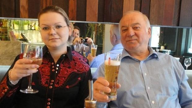 Anh sắp yêu cầu Nga dẫn độ nghi phạm vụ đầu độc Skripal - ảnh 1