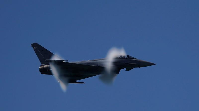 Tiêm kích NATO phóng nhầm tên lửa sát biên giới Nga - ảnh 1