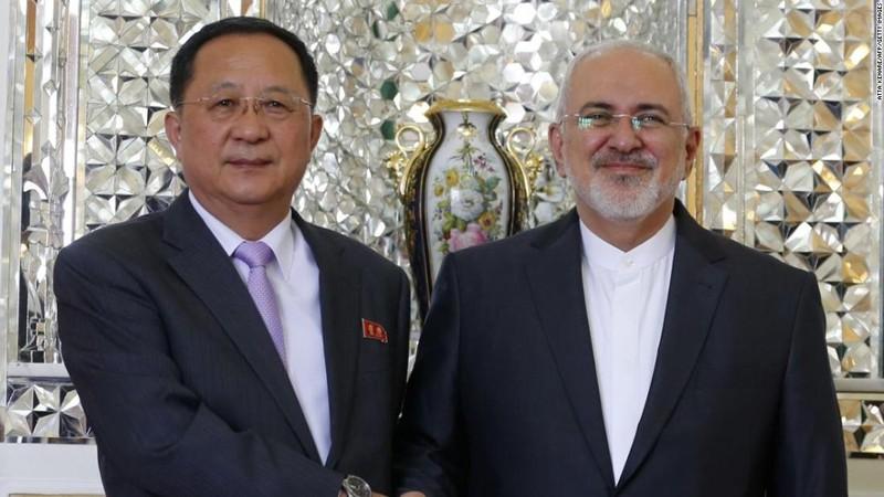 Ngoại trưởng Triều Tiên thăm Iran đúng ngày Mỹ áp trừng phạt - ảnh 1