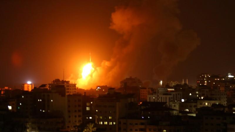 Israel tấn công 140 mục tiêu, Hamas đáp trả bằng 150 tên lửa - ảnh 1
