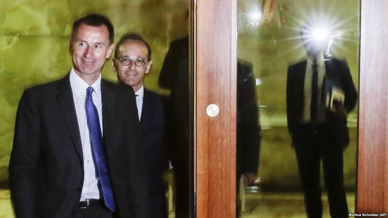 Lần đầu thăm Mỹ, Ngoại trưởng Anh đã ra đòn 'đánh' Nga - ảnh 1