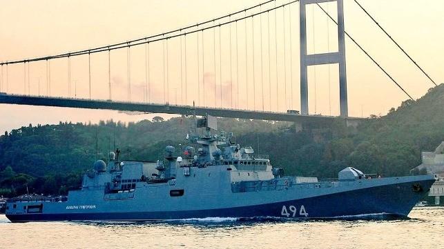 Giải mã vụ hàng loạt tàu chiến Nga hiện diện ở Syria - ảnh 1