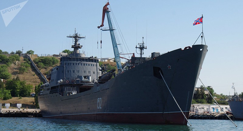 Nga triển khai tàu chiến tới Syria đông chưa từng có - ảnh 1