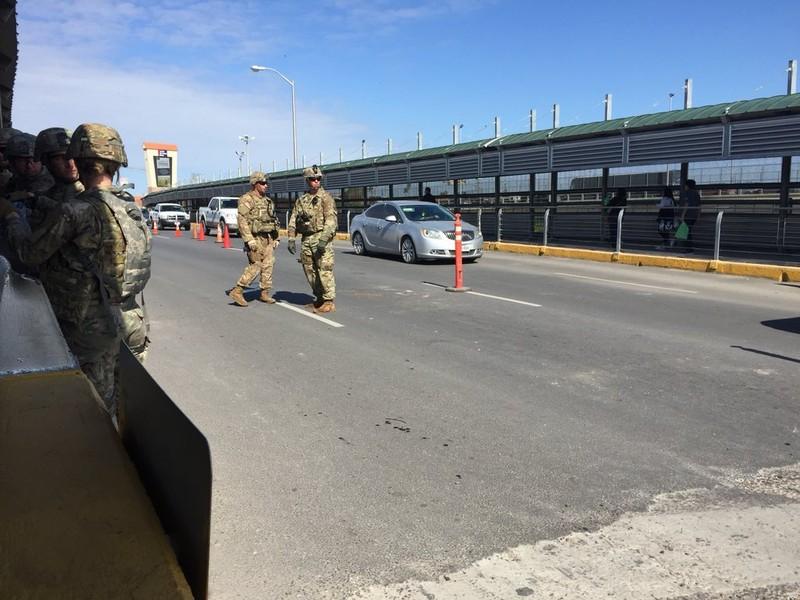 Mỹ tuyên bố mạnh tay với dòng người di cư từ Mexico - ảnh 2