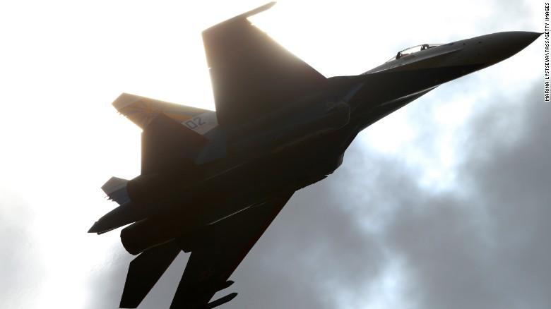 Mỹ công bố video tố Su-27 của Nga chặn máy bay trinh sát - ảnh 1