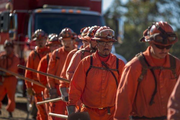 California trả cho tù nhân tham gia chữa cháy rừng 1 USD/giờ - ảnh 2