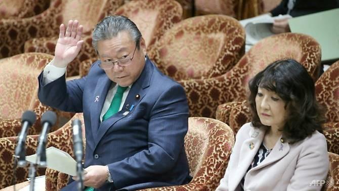 Quan chức an ninh mạng Nhật Bản nói chưa bao giờ dùng máy tính - ảnh 1