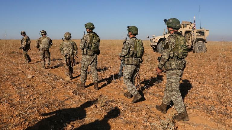Nhóm binh sĩ Mỹ đầu tiên rút khỏi Syria - ảnh 1
