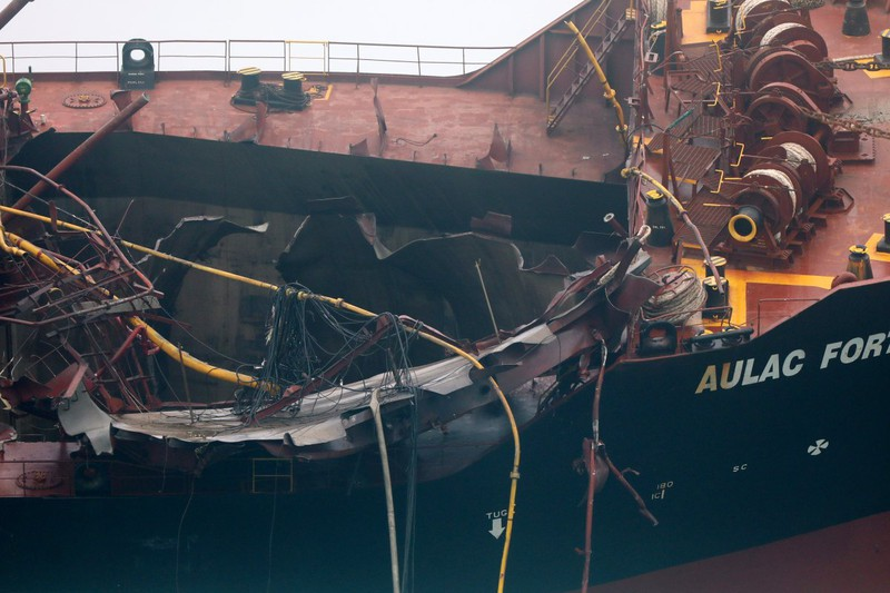 Có thể mất vài tuần để dập đám cháy tàu chở dầu Việt Nam - ảnh 2