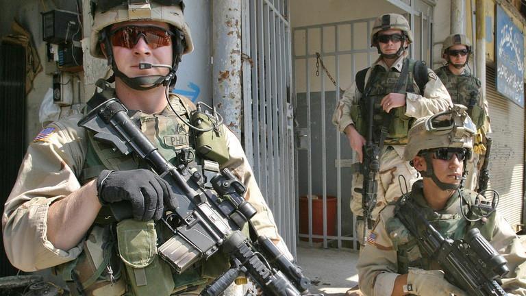Mỹ, Iran liệt quân đội của nhau vào danh sách khủng bố - ảnh 1