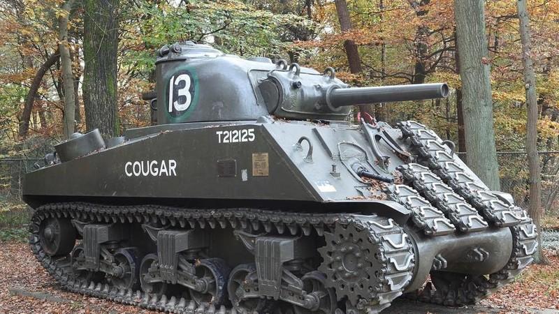 Xe tăng Mỹ bị đánh chìm 70 năm trở lại trong lễ duyệt binh Nga - ảnh 2