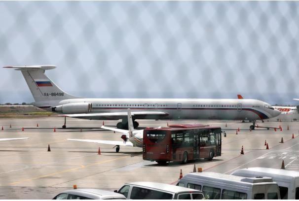 Máy bay không quân Nga đáp xuống Venezuela - ảnh 1