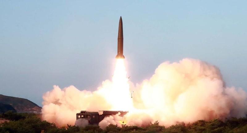 Mỹ-Hàn tập trận chung, Triều Tiên liền phóng 2 tên lửa - ảnh 1