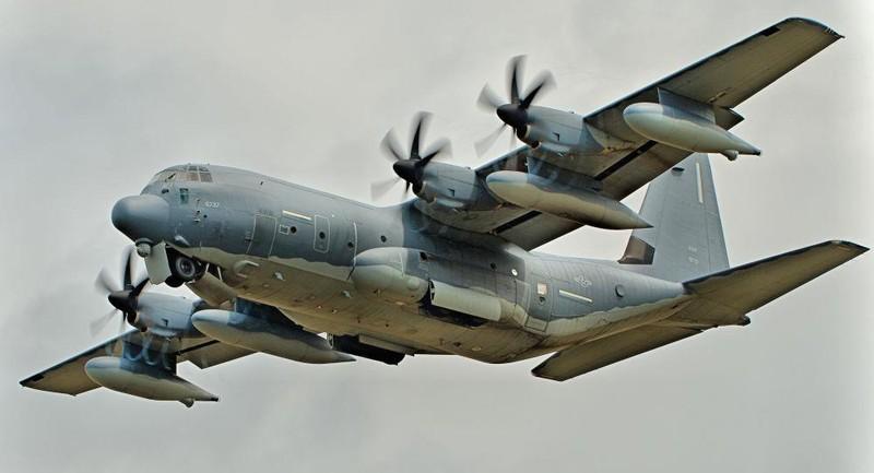 Mỹ điều phi cơ quân sự bay qua eo biển Đài Loan - ảnh 1