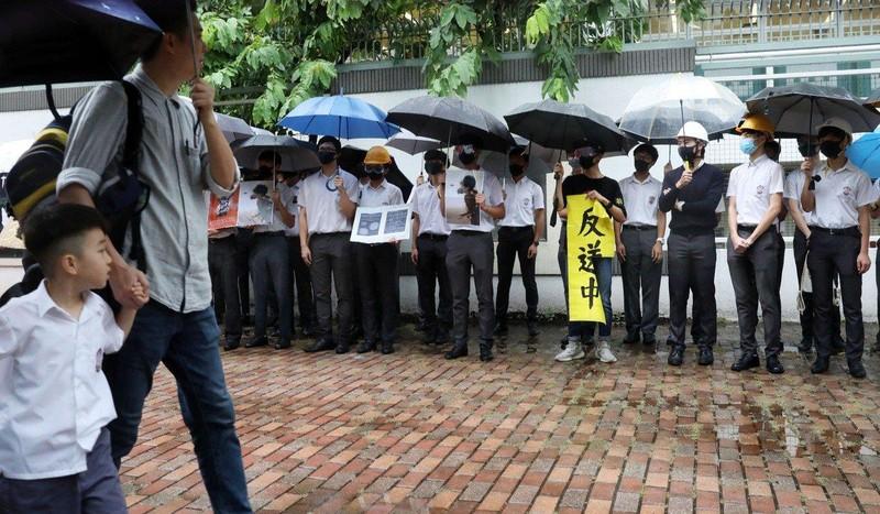 Biểu tình Hong Kong: 10.000 HS-SV bãi khóa ngày đầu năm học  - ảnh 4