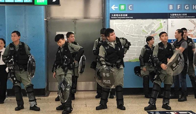 Biểu tình Hong Kong: 10.000 HS-SV bãi khóa ngày đầu năm học  - ảnh 3