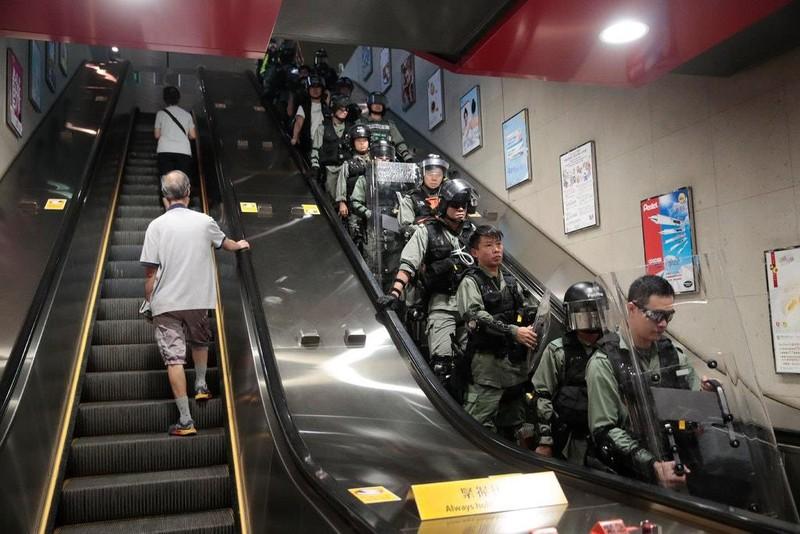 Trưởng đặc khu Hong Kong 'sẽ từ chức nếu có thể' - ảnh 2