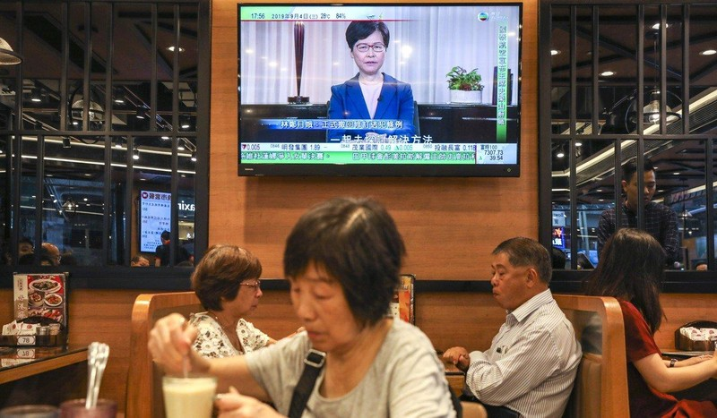 Tại sao bà Carrie Lam phải ba tháng mới rút dự luật dẫn độ? - ảnh 1