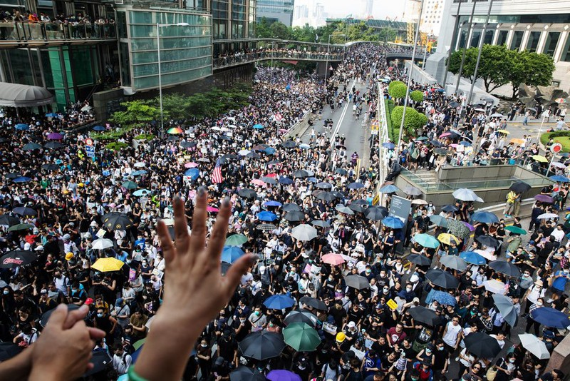 Hong Kong lo ngại, cấm biểu tình vào cuối tuần này - ảnh 1