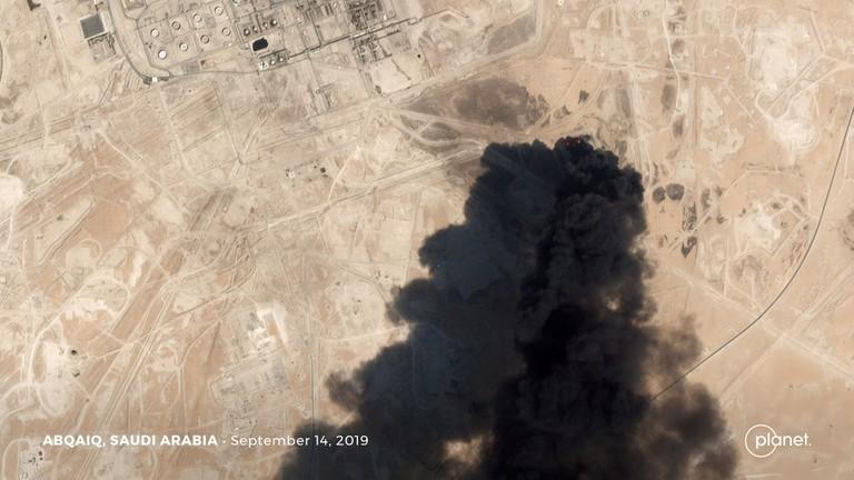 Trung Quốc lên tiếng vụ tấn công các nhà máy dầu Saudi Arabia - ảnh 1