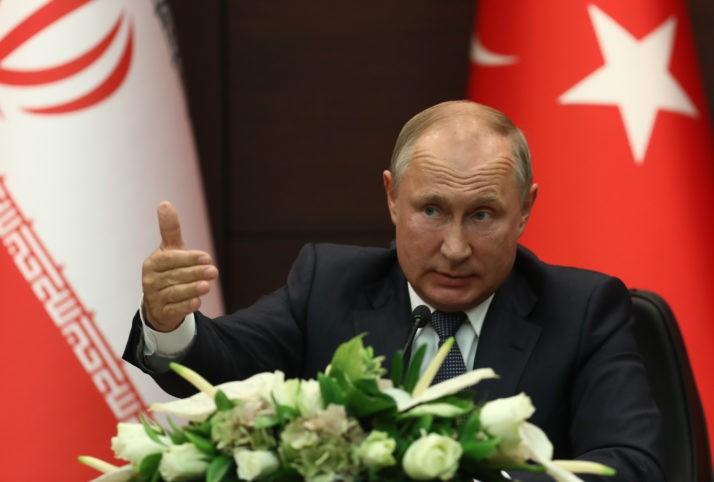 Ông Putin đề nghị Saudi Arabia mua hệ thống tên lửa của Nga - ảnh 1