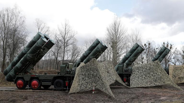 Ông Putin đề nghị Saudi Arabia mua hệ thống tên lửa của Nga - ảnh 2