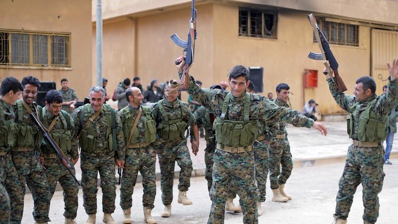 Mỹ rút khỏi Syria, người Kurd bắt tay với chính phủ Syria, Nga - ảnh 1