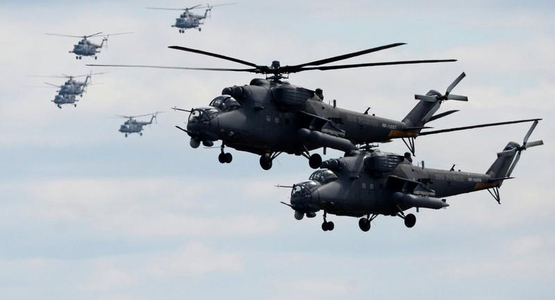 Trực thăng Nga đáp xuống căn cứ Mỹ bỏ lại ở Syria - ảnh 1
